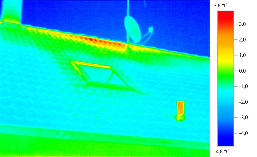 Thermografieaufnahmen Königswinter - Gebäude, Bad Lüfter und Sat-Schüssel (2)